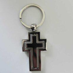 Breloc din inox sub forma de cruce dubla
