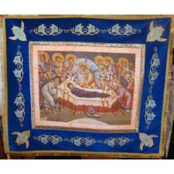 Epitaf brodat pe catifea cu flori de crin si serafimi (140 x 120 cm) – pentru Adormirea Maicii Domnului