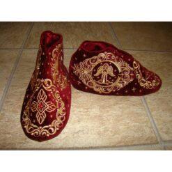Papucei pentru Sfinte Moaste brodati pe catifea